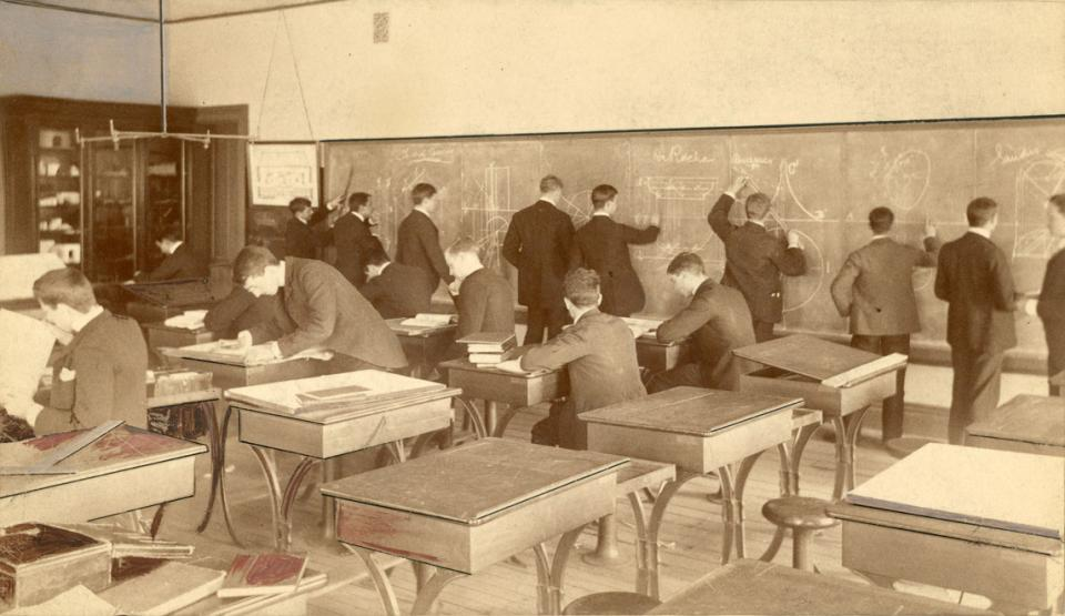Descriptive Geometry class in Main building.