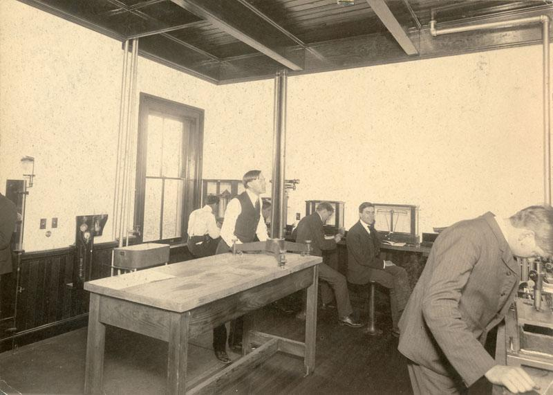 Physics class in the Main building.