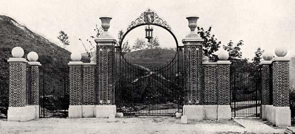 The original Tillinghast Gate, as viewed from Sage Avenue (date unknown)